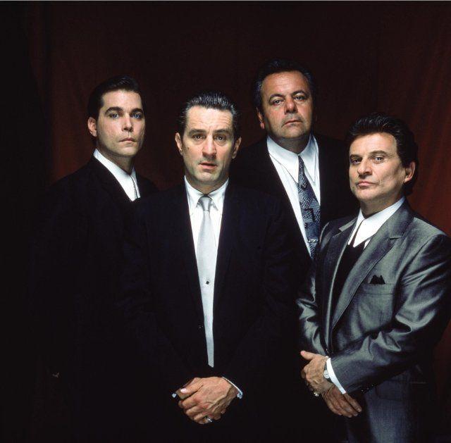 Still of Robert De Niro, Ray Liotta, Joe Pesci and Paul Sorvino in GoodFellas! Martin Scorsese 1990