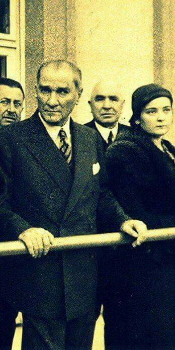 Atatürk and Refet Angın.