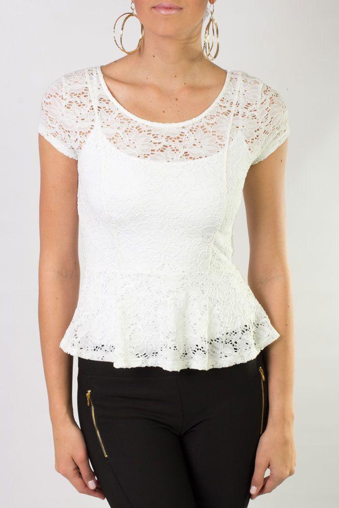 Blusa de encaje, disponible en colores, blanco y negro.