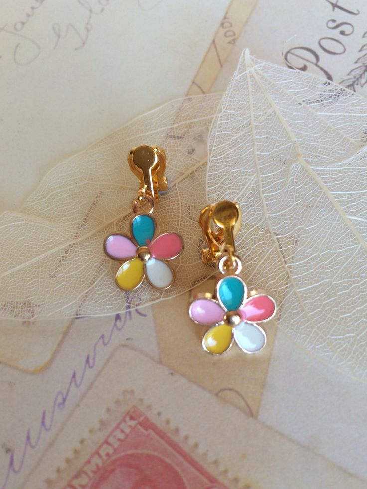 Petite & Adorable Gold Plated Daisy Drops-$14.95 Inc FREE Shipping Australia Wide