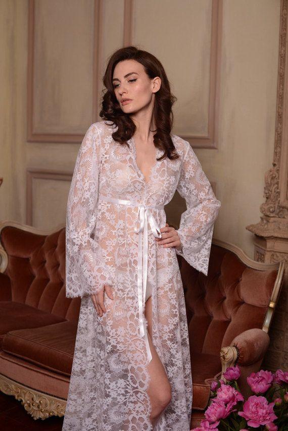 Long lace bridal robe f3 bridal lingerie wedding for Lingerie de mariage pour sous robe