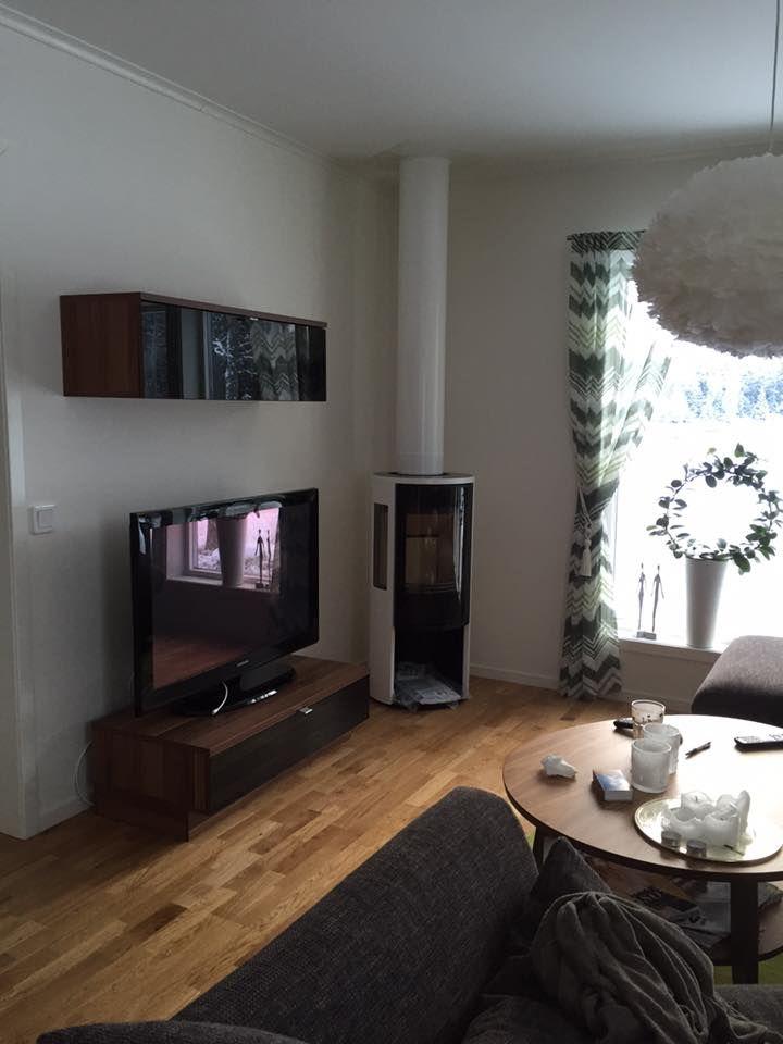 Braskamin @contura 556 Style i vitt med matchande skorsten från Premodul. Installerad av Brantab. #uppsala