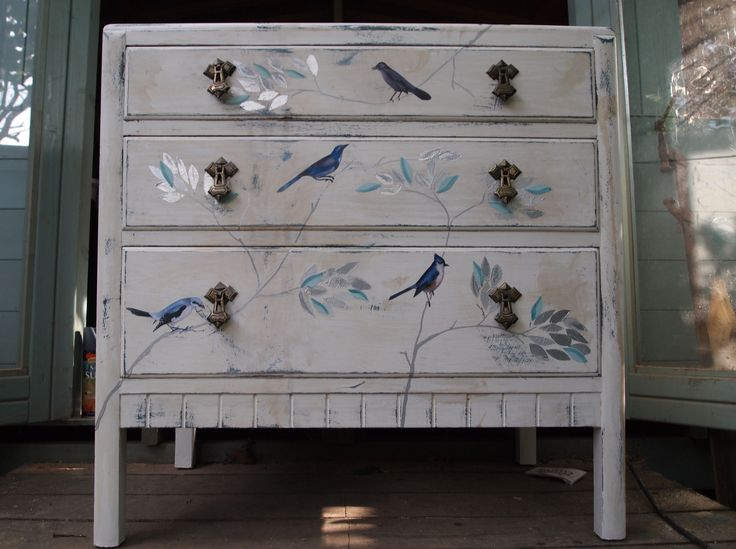 37 best images about chest of drawers painted decoupage - Badezimmerschrank grau ...