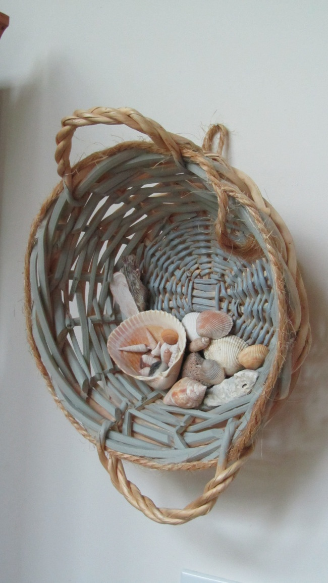 313 best images about shells on pinterest sea shells for Seashell art projects