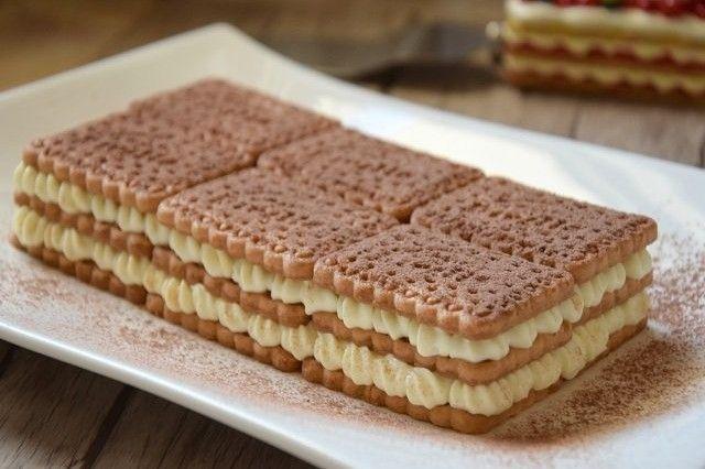 La mattonella fredda di biscotti è un dolce molto semplice da preparare ma che di sicuro saprà stupire tutti. Ecco la ricetta ed alcuni consigli