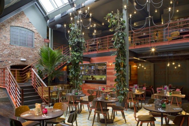 Aydınlatma ve Dekor Dünyasından Gelişmeler: B3 Designers'dan Derby'de Las Iguanas Restaurant #aydinlatma #lighting #design #tasarim #dekor #decor