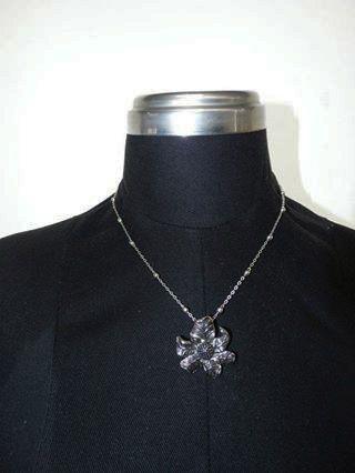 Collar corto sencillo $ 15.000
