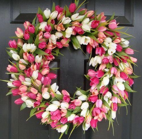 a tulip wreathDecor, Ideas, Tulip Wreaths, Front Doors, Easter Wreaths, Spring Wreaths, Silk Flower, Diy, Pink Tulip