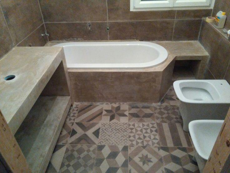 bordo vasca e mobile lavello tonalizzato come Cementine tramite utilizzo di cemento colorato