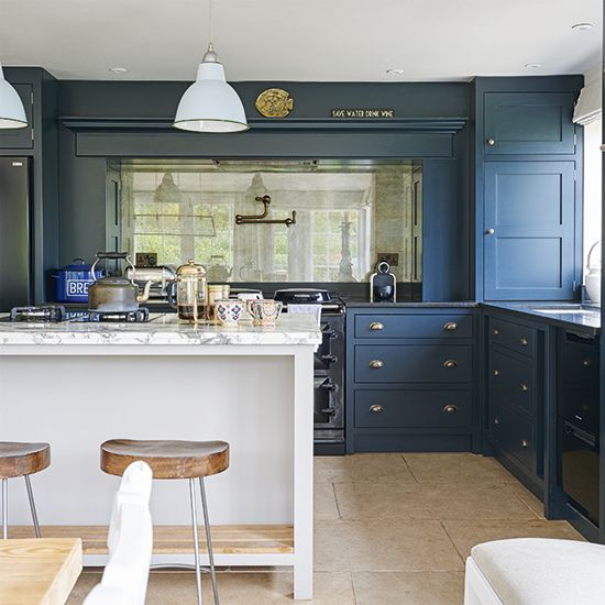 Coastal White Kitchen With Navy Blue Island: Best 25+ Navy Blue Kitchens Ideas On Pinterest