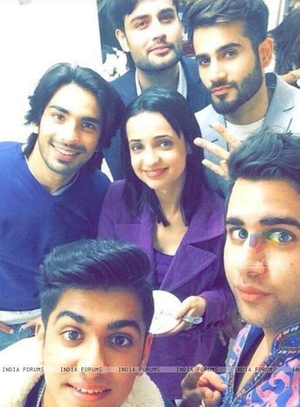 Sanaya Irani, Mohit Sehgal, Karan Tacker, Vivian Dsena