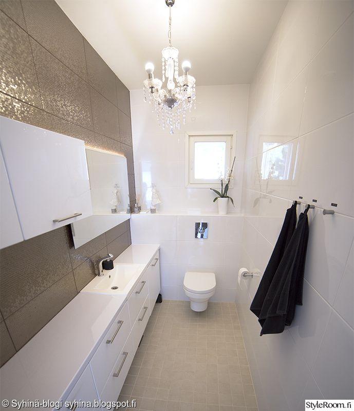 moderni,wc,wc kalusteet,kattokruunu,kylpyhuone