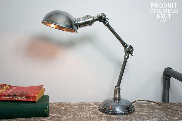 Colóquela en un escritorio o mesa de noche y dele a su interior un hermoso aspecto vintage.