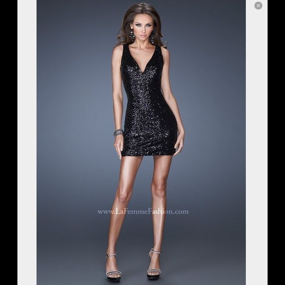 little black Dress Elegant & SEXY❤️ Attractive sequin cocktail dress with deep V neckline. The back features sheer net with cascading sequins along the low V. Side zipper.Fabric: Sequined2014 La Femme 19482 Black Sequin Short Dress  * Style: 19482  * Color: Black  * Hemline: Short/Mini  * Neckline: V-Neck  * Silhouette: Fitted  * Fabric: Chiffon  * Embellishment: Illusion, Open Back, Sequined  * Sleeves: Sleeveless  * Strap Style: Square La Femme Dresses Mini