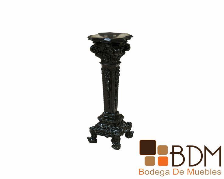 Columna de diseño vintage que se adapta a la perfección con diseños de interiores contemporáneos y modernos. Esta Columna esstá elaborada en acero inoxidable y recubierta en poliuretano para su mejor acabado. Esta columna se encuentra disponible en una amplia gama de colores. Cuenta con unas medidas de 36 cm x 35 cm y una altura de 97 cm.