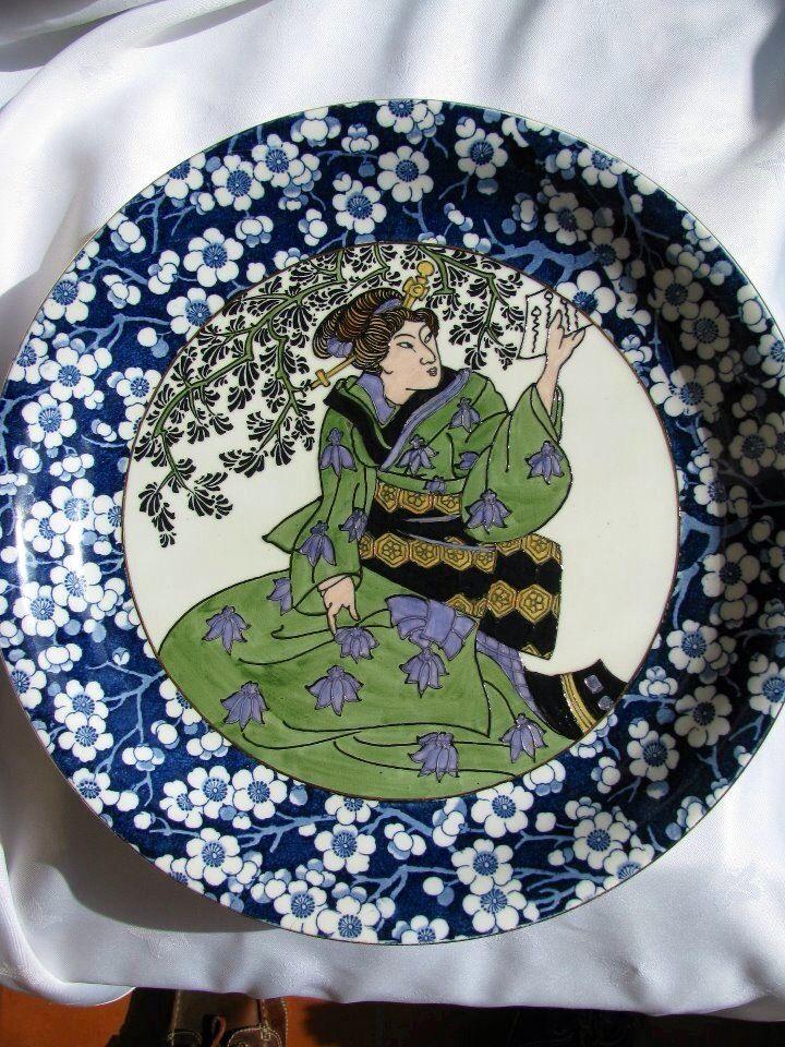 A rare Charlotte a Rhead plate