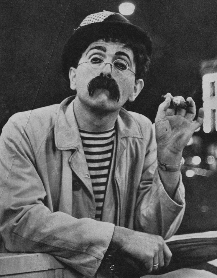 Tom Manders (1921-1972) was een Nederlandse tekenaar, komiek en cabaretier. In de laatste rol werd hij met name bekend als Dorus. Begin februari 1972 kreeg Tom Manders een auto-ongeluk. In het ziekenhuis werd geconstateerd dat hij kanker had. Drie weken later stierf Tom Manders aan een hartaanval.