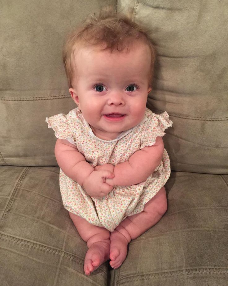 The CUTEST picture of Terra Jole's baby, Penelope!