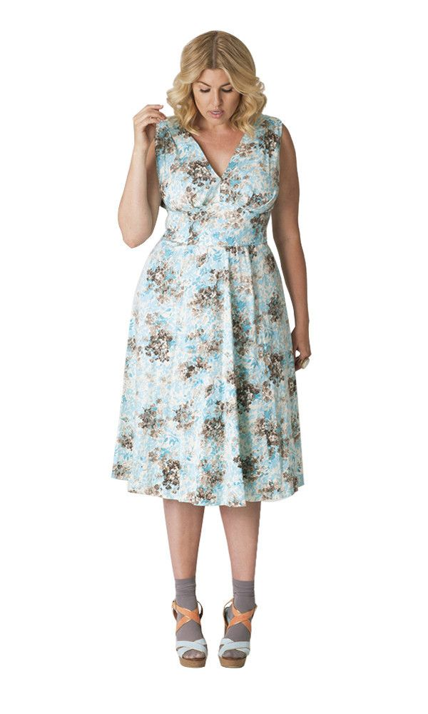 Cabiria Francesca Dress at Madison Plus Select- Plus Size Floral Dresses on The Curvy Fashionista