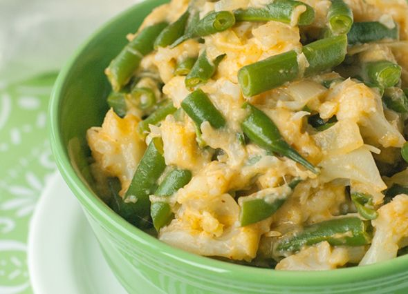 Healthy & Cheesy Green Beans & Cauliflower Recipe (low carb) - Made this for dinner tonight and it's sooo good! I paired it with baked chicken bites, even better!
