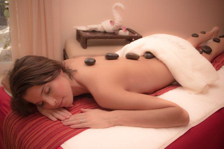 Keep calm and book a massage! Book now: info.riviera@zentropia-spa.com Mantén la calma y reserva un masaje