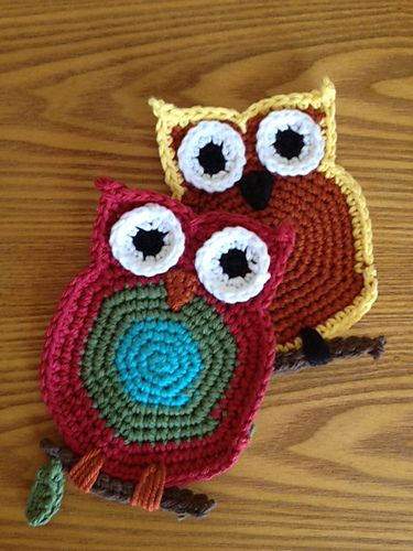 Crochet Owl Coaster...I'd insert a real twig. (free pattern @ ravelry)