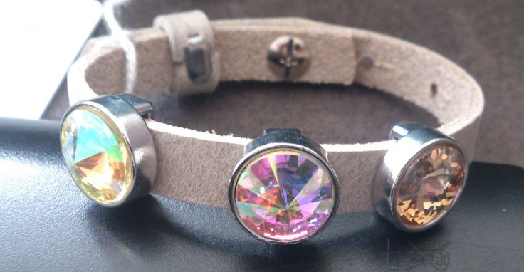 0001 armband