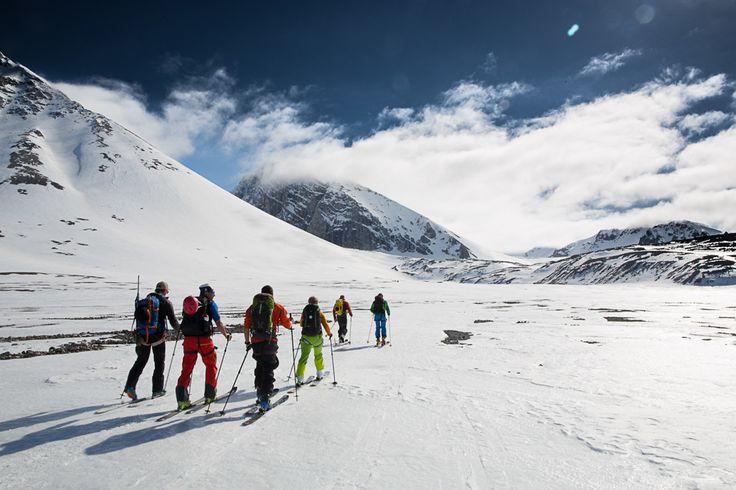 Magiske sommer-toppturer på Svalbard | Ski | FRIFLYT.NO