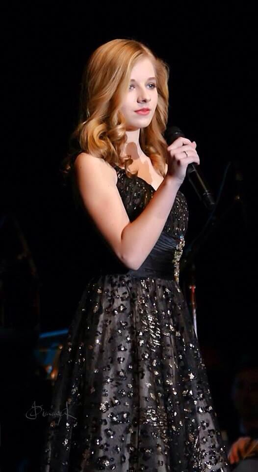 I'm a little obsessed with Jackie Evancho.