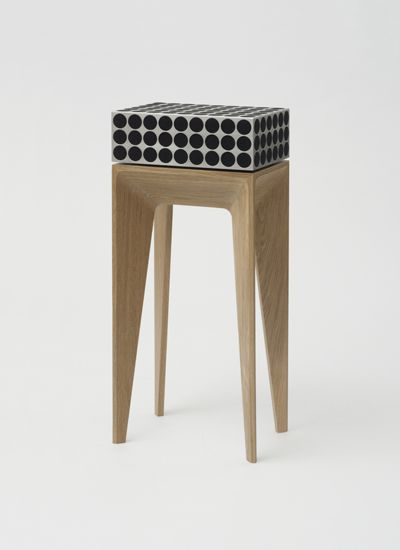 PoetaudioPANDORETTA / 360° SOUND SYSTEM date: 2013 design: Thomas Feichtner type: wireless 360° sound system material: stainless steel,oak wood producer: Poet Audio, Austria