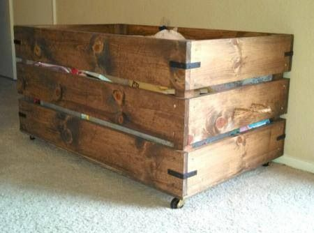 So easy to upcycle pallet wood for these ideas.  Ana White toy box @Kristi Baumgarner