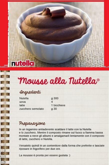 Non avete nulla da fare? Visto che sta arrivando il caldo, i barattolini di Nutella devono essere SaCrIfIcAtI.... Provate la Mousse alla Nutella!