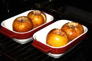 Zapečneé jablká s džemom a orechom. MŇAM!