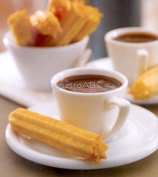 Churros csokoládészósszal - mexikói