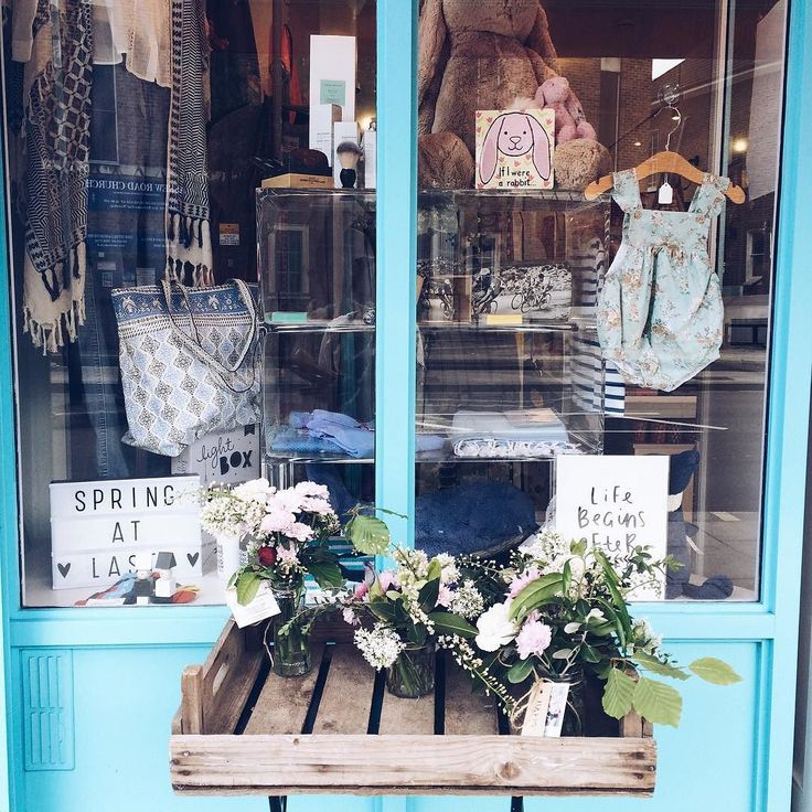 T O T || ally swooned over this gorgeous boutique on Askew Road. When you fall in love with tiny baby clothes and your ovaries are like ''more babies please.' An everyday occurrence in the nanny life.  #nannylife #nannyshecando #kids #babystore #prettylondon #maternitynurse #pursuepretty #abmlifeiscolorful #freshblooms