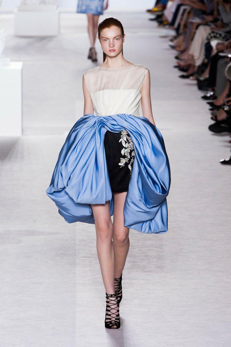 Défile Giambattista Valli Haute couture Automne-hiver 2013-2014 - Look 9