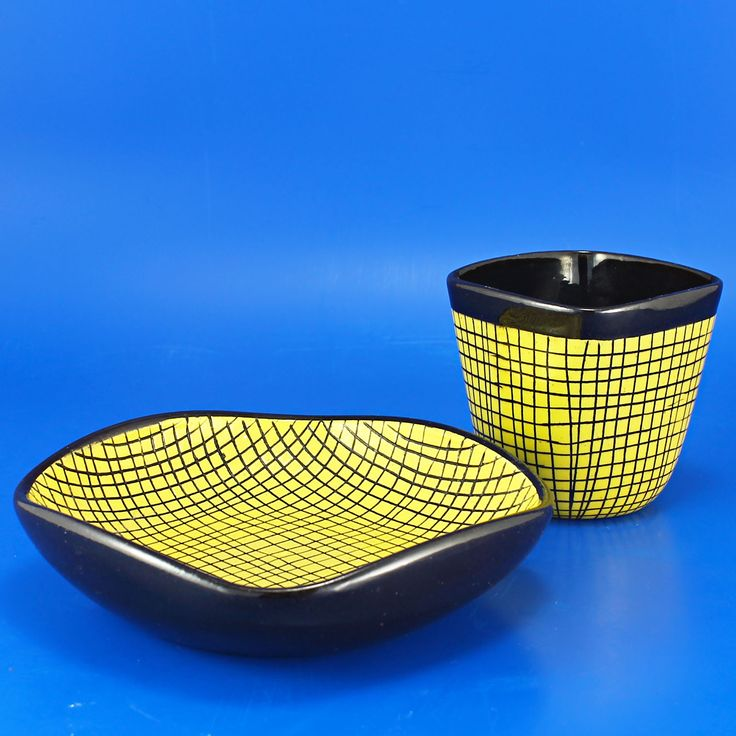 Ingrid Atterberg (Strega 1955) Striking vase and bowl