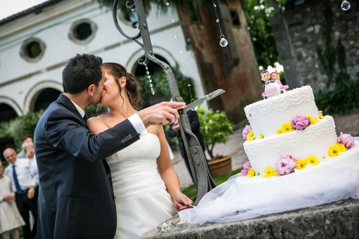#Matrimonio fucsia e giallo: la storia di Fabio e Silvia #realweddings #inspiration #bride #weddingcake