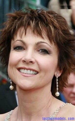 Short Hairstyles For Women Over 40 With Bangs Emma Samms4 Last Hair Models