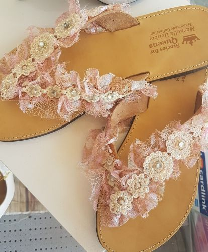 Χειροποίητα σανδάλια από γνήσιο δέρμα  Βρείτε τα στο παρακάτω σύνδεσμο: http://handmadecollectionqueens.com/γυναικεια-σανδαλια-απο-δερμα  #handmade #fashion #sandals #women #summer #footwear #storiesforqueens #χειροποιητο #μοδα #σανδαλια #γυναικα #καλοκαιρι #υποδηματα