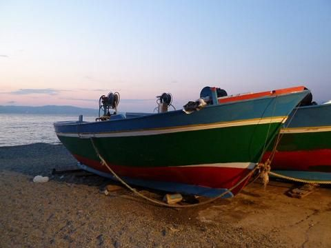 A halászhajók megpihennek estére/The fisherman's boats have a rest for the night.