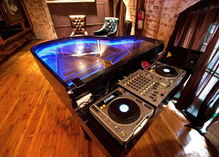 You can't say this doesn't look cool lol Pioneer CDJ - DJ Grand Piano
