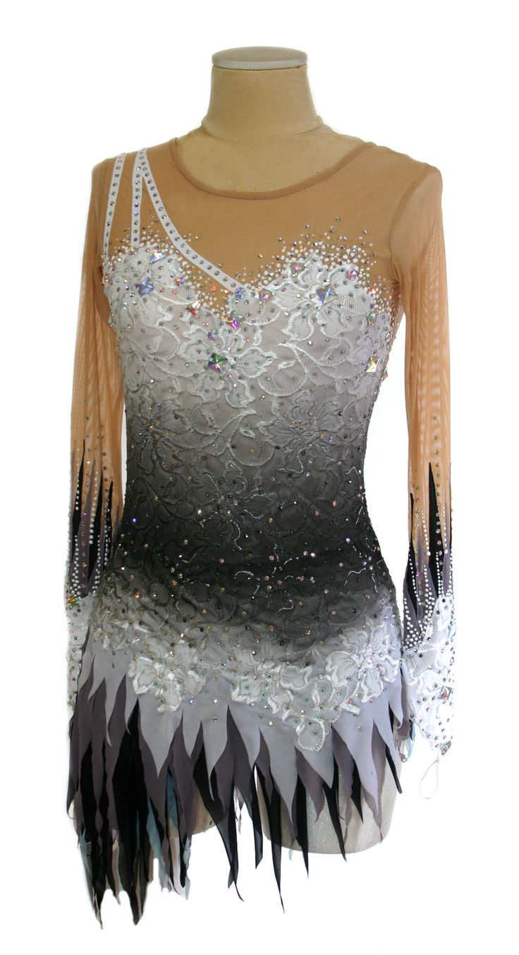 vestito per il pattinaggio ice skating dress www.paintyourdreams.it