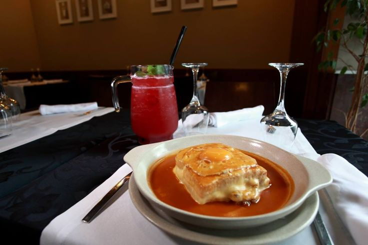 Francesinhas? Temos uma categoria com os melhores Restaurantes para poderes escolher!  Seja para Almoçar, Lanchar ou Jantar, em www.comerebeber.pt vais encontrar!