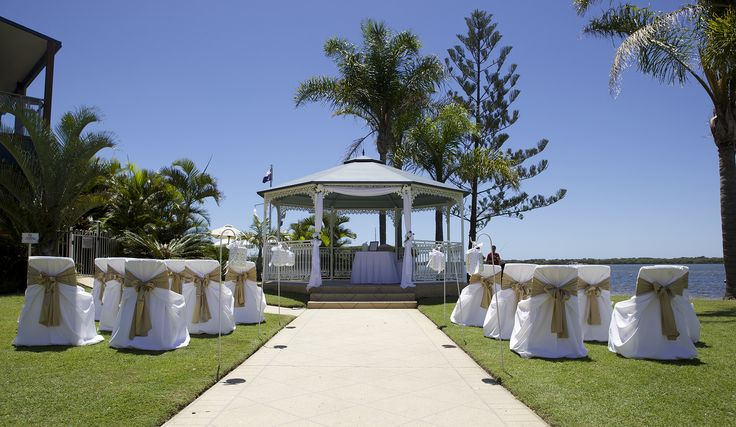 Caloundra Power Boat Club is an ideal location for your wedding ceremony and reception backing on to the water.