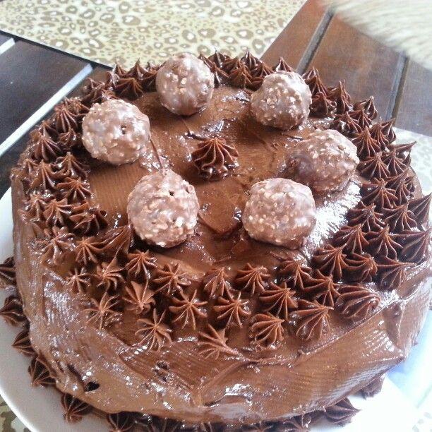 Bolo de Nutella com Ferrero Rocher