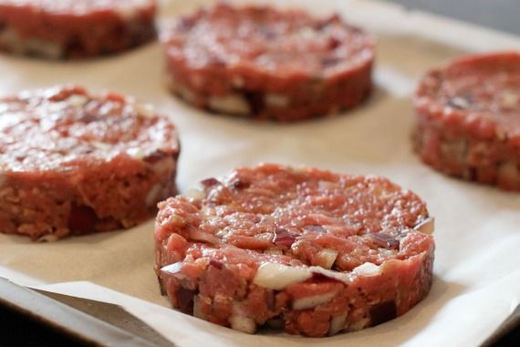 How to make your own low fat burgers - perfect for Slimming World diet