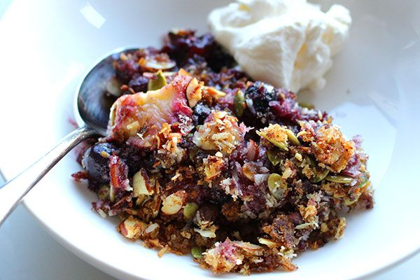 Tamarillo, banana and blueberry crumble – Recipes – Bite