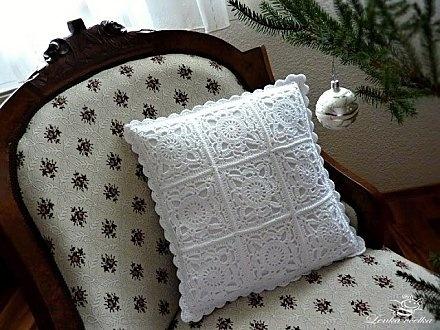 Coussins Et Leurs Grilles Gratuites , Au Crochet !: Almofada De, Pattern, Crochet Squares, Crochetpillow, Granny Squares, Crochet Pillows, Blog, Crochet Doilies, Crochet Cushions