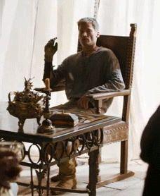Gif fait maison / Jaime, gold hand ©